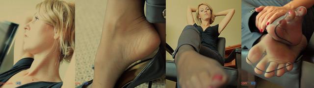 Leggy Pauline nylon foot dipping