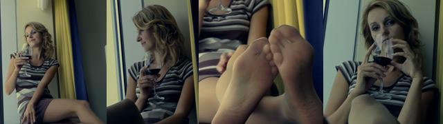 LeggyPauline.com pretty feet
