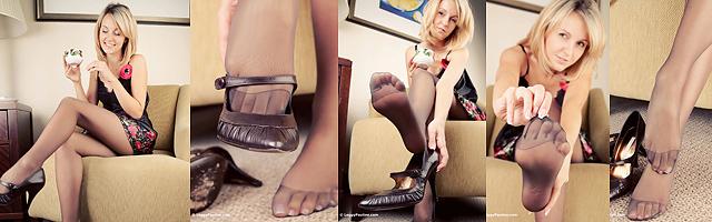 Leggy Pauline pantyhose feet