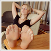 Pretty nyloned feet